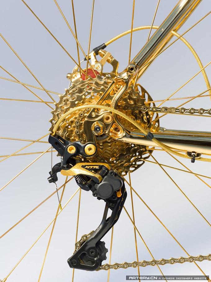 亮瞎狗眼:100万刀的山地自行车